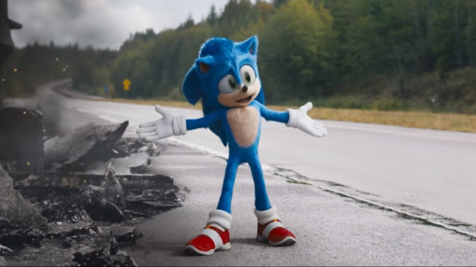 Sonic posing in a shot of Sonic the Hedgehog